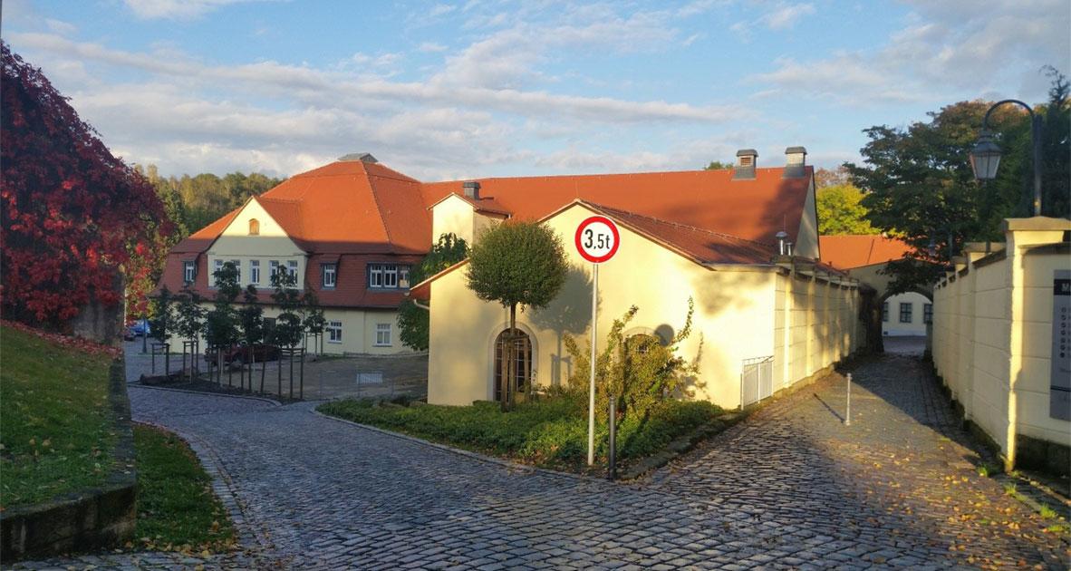 Schloss Burgk Einfahrt